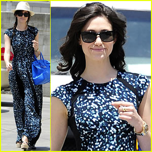 Emmy Rossum Shows Off Curly Hair After Salon Appointment