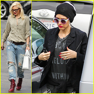 Gwen Stefani: Coolest Mom in Music!