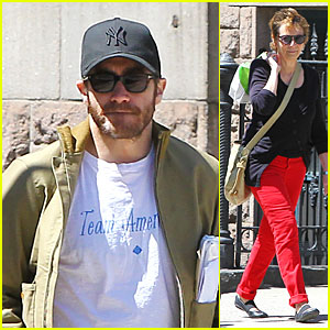 Jake Gyllenhaal: Soho Stroll with Mom Naomi Foner!