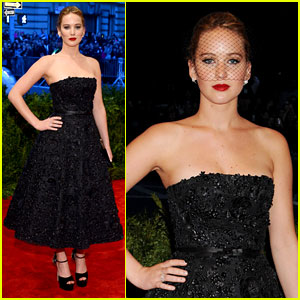 Jennifer Lawrence - Met Ball 2013 Red Carpet