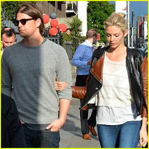 Josh Hartnett & Tamsin Egerton Explore Dublin Together!