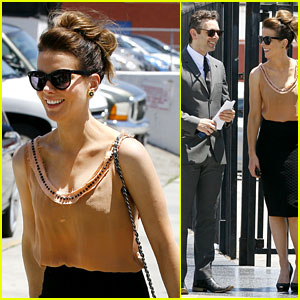 Kate Beckinsale: Beatles Tribute with Ex Michael Sheen