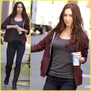 Megan Fox: 'Teenage Mutant Ninja Turtles' Set!