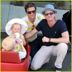 Neil Patrick Harris: Mother's Day with The Twins!