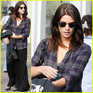 Ashley Greene: Plaid Friday Shopping!