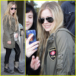 Avril Lavigne: 'New.Music.Live' Toronto Appearance!
