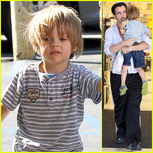 Colin Farrell: Rite Aid Snacks with Henry!