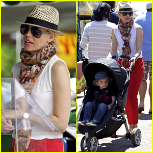 Elizabeth Banks: Farmers Market Visit with Felix!