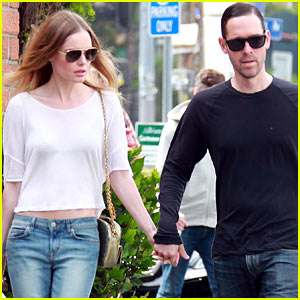 Kate Bosworth & Michael Polish Hold Hands at Bristol Farms!