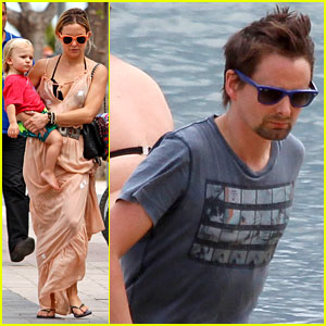 Kate Hudson Vacations in Spain with Matt Bellamy & Bingham!