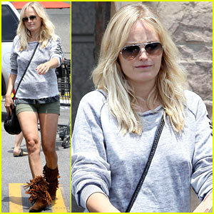 Malin Akerman Shops After Juvenile Camp Visit
