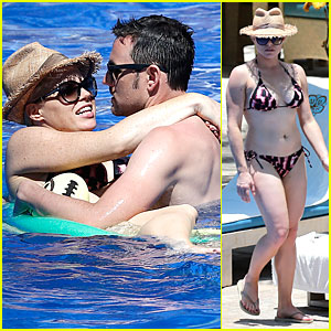 Megan Hilty: Bikini Cuddling in Hawaii!