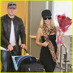 Michael Buble: Flowers for Luisana Lopilato's Arrival!