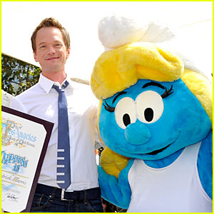 Neil Patrick Harris: Global Smurfs Day Celebration!