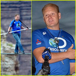 Nik Wallenda: Skywire Tightrope Walk Across Grand Canyon (Video)