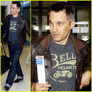 Olivier Martinez Travels Light at LAX