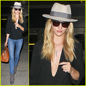 Rosie Huntington-Whiteley: New Face of ModelCo!