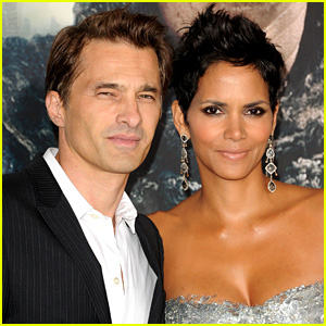 Halle Berry & Olivier Martinez: Married!