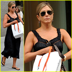 Jennifer Aniston & Justin Theroux Are Still 'Madly in Love'