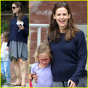 Jennifer Garner: Summertime Smiles with Violet & Seraphina!
