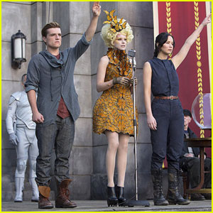 Jennifer Lawrence: New 'Catching Fire' Still Before Comic-Con!