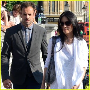 jonny lee miller photos news and videos just jared page 2