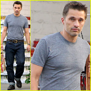 Olivier Martinez Grocery Shops on July 4!