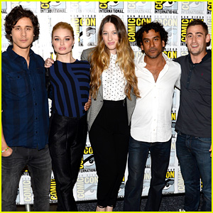 Sophie Lowe: 'Once Upon a Time in Wonderland' at Comic-Con!