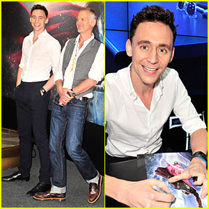 Tom Hiddleston: 'Thor' Autograph Signing at Comic-Con!