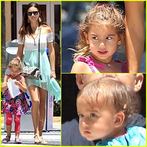 Adriana Lima: Family Lunch with Valentina & Sienna!