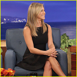 Jennifer Aniston Gives Chicken Eggs to Conan O'Brien!