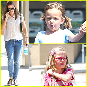 Jennifer Garner: Seraphina's Ballet Pick-up After Lunch with Violet!