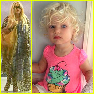 Jessica Simpson: Doctor Trip After Posting 'Beautiful' Maxwell Pic!