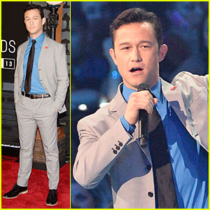 Joseph Gordon-Levitt - MTV VMAs 2013 Red Carpet