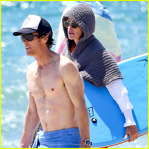 Julia Roberts: Family Beach Day with Shirtless Danny Moder!