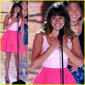 Lea Michele Dedicates Teen Choice Award to Cory Monteith (Video)