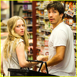 Amanda Seyfried & Justin Long Grocery Shop for Labor Day