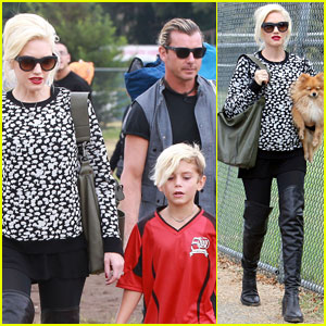 e0f9a7273be4 Gwen Stefani holds her adorable pet pooch as she walks to her  seven-year-old son Kingston's soccer game on Saturday (September 21) in Los  Angeles.