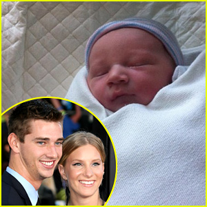 Taylor Hubbell Breaking News, Photos, and Videos | Just Jared