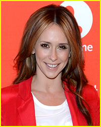Jennifer Love Hewitt & Fiance Get Into Paparazzo Altercation