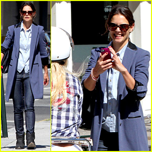 Katie Holmes Snaps Photo of a Vespa-Riding Couple