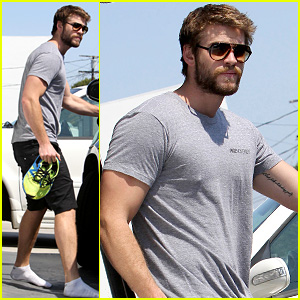 Liam Hemsworth Steps Out After January Jones Sexting Rumors