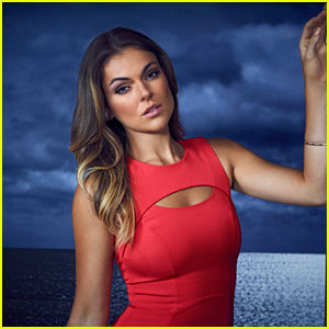 'Graceland' Finale: Serinda Swan on Kissing Aaron T