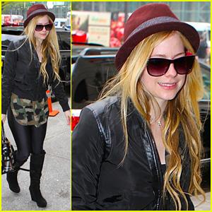 Avril Lavigne: Full iTunes Self-Titled Album Stream - Listen Now!
