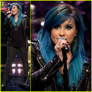 Demi Lovato Debuts New Blue Hair for 'Jay Leno' Performance!