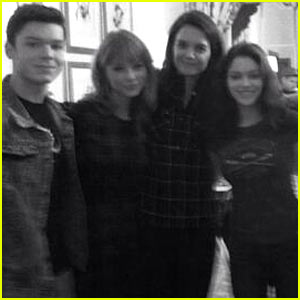 Katie Holmes Joins Twitter, Posts 'Giver' Pic with Taylor Swift!