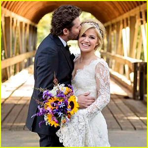 Kelly Clarkson: Wedding Photos with Brandon Blackstock!