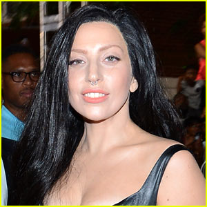 Lady Gaga: 'SNL' Host & Musical Guest on November 16!