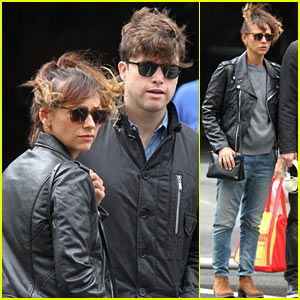 Rashida Jones Steps Out with Colin Jost After Peace First ...