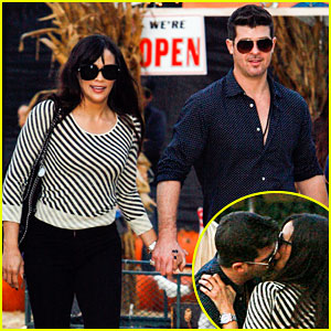 Robin Thicke & Paula Patton: Pumpkin Patch Kisses!